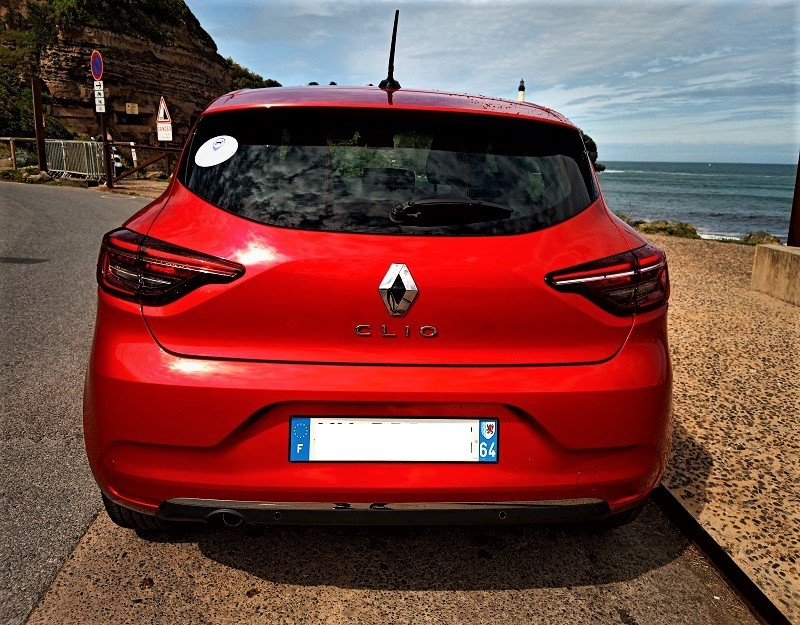 Clio V arriere rouge